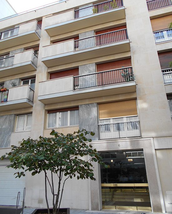 - NEUILLY