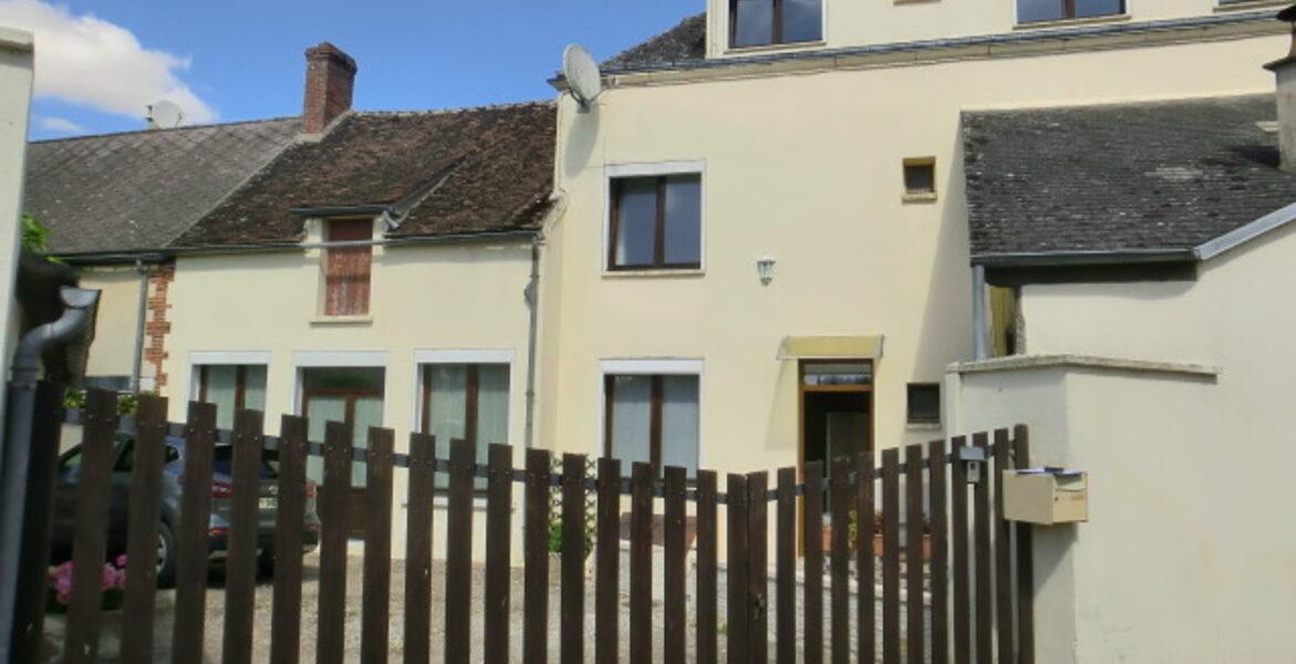 Maison à vendre : Trigueres . 235 m² . 6 pièces
